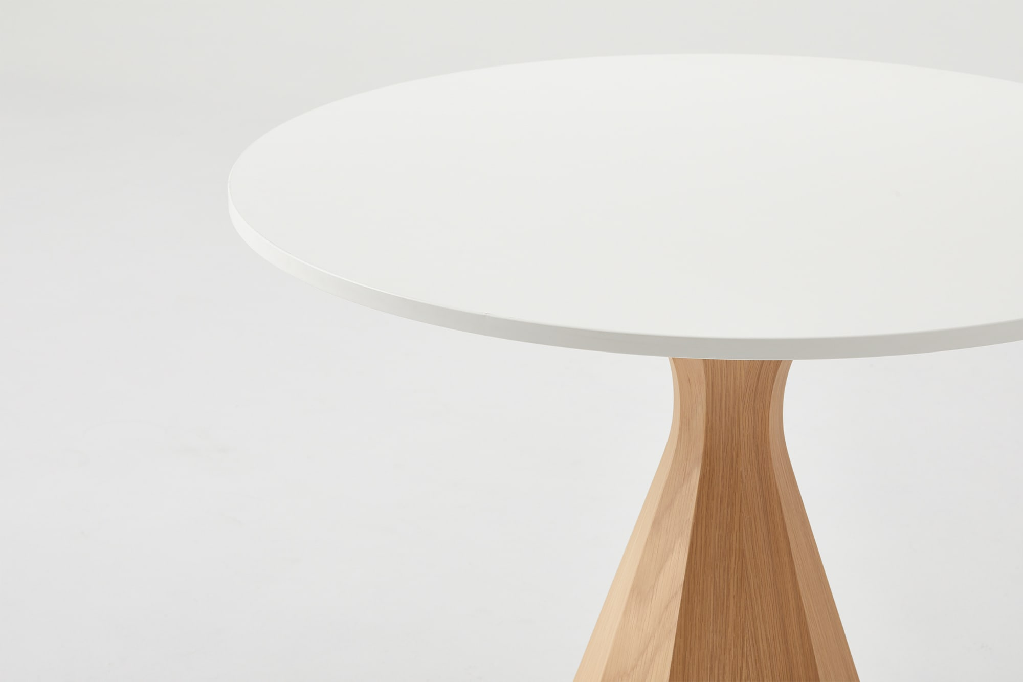 Ballerina Pedestal Table